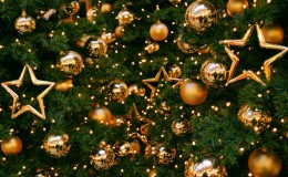 Niech magiczna noc  wigilijnego wieczoru przyniesie spokój i radość. Niech każda chwila  Świąt Bożego Narodzenia  żyje własnym pięknem, a Nowy Rok obdaruje  pomyślnością i szczęściem.